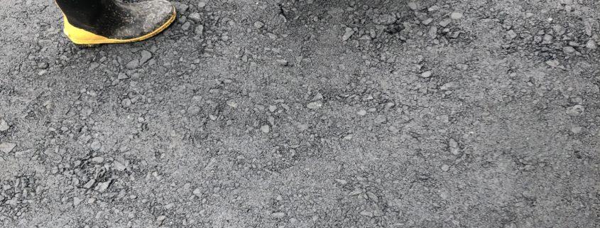 駐車場 補修 砂利 へこみ 凹み 専門業者 造園業者